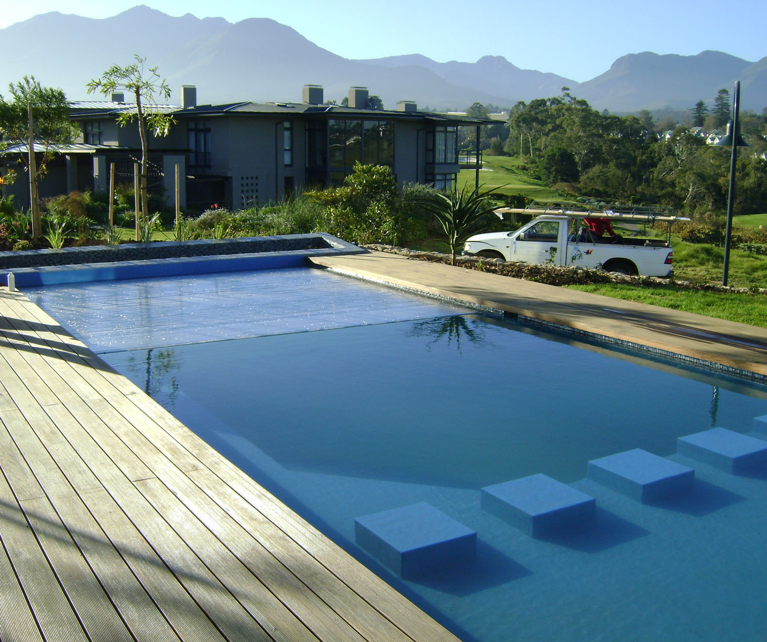 23 swimming pool builders knysna decor23 for Swimming pool builders